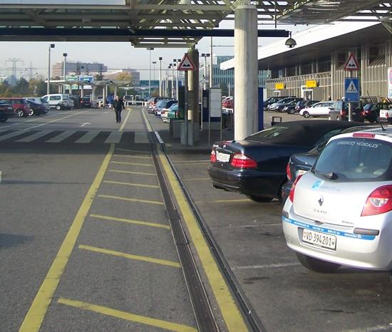 parking de l'aéroport GVA